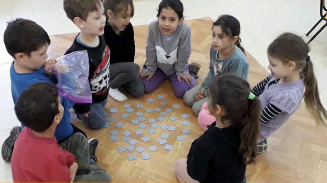 מפגשי ילדים עם הגיל השלישי סביב תחביב | התחביביה
