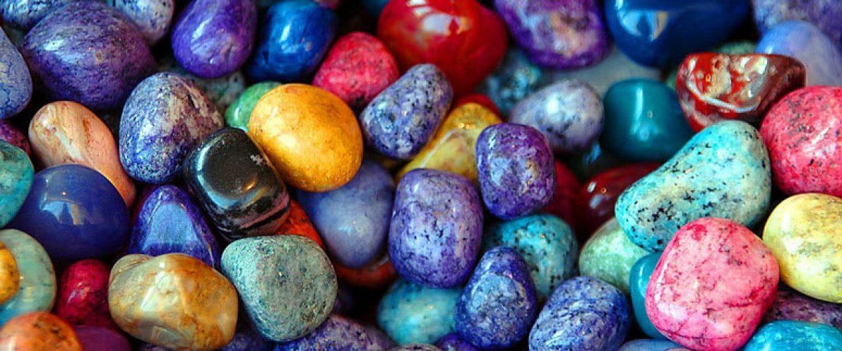 אבנים-צבעוניות