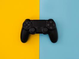 מעבר-רציף-בין-חומרות-בשימוש-במשחקים
